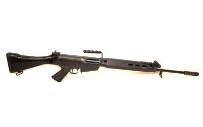 Shoot an FN FAL