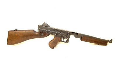Shoot a WWII Thompson M1A1
